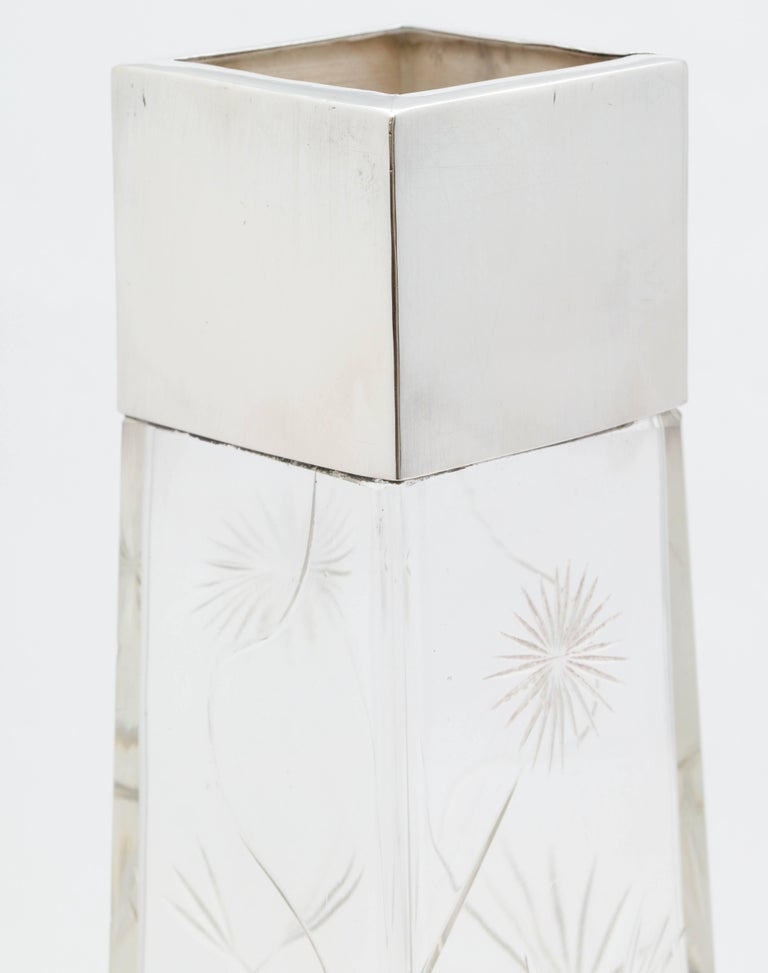 Edwardian, Sterling Silver-Mounted Rectangular Japonesque Style Crystal Vase In Excellent Condition For Sale In New York, NY