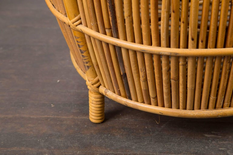 Small Mid-Century Modern Rattan Bar For Sale 3