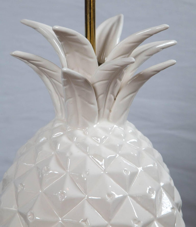 Late 20th Century Large White Ceramic Pineapple Lamp For Sale