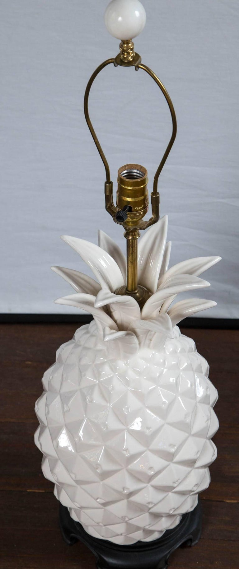 Large White Ceramic Pineapple Lamp For Sale 2