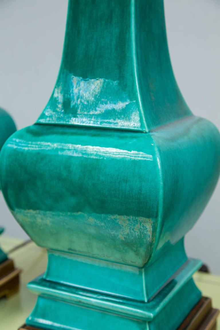 Pair of Midcentury Green Glazed Pagoda Style Stiffel Lamps For Sale 1