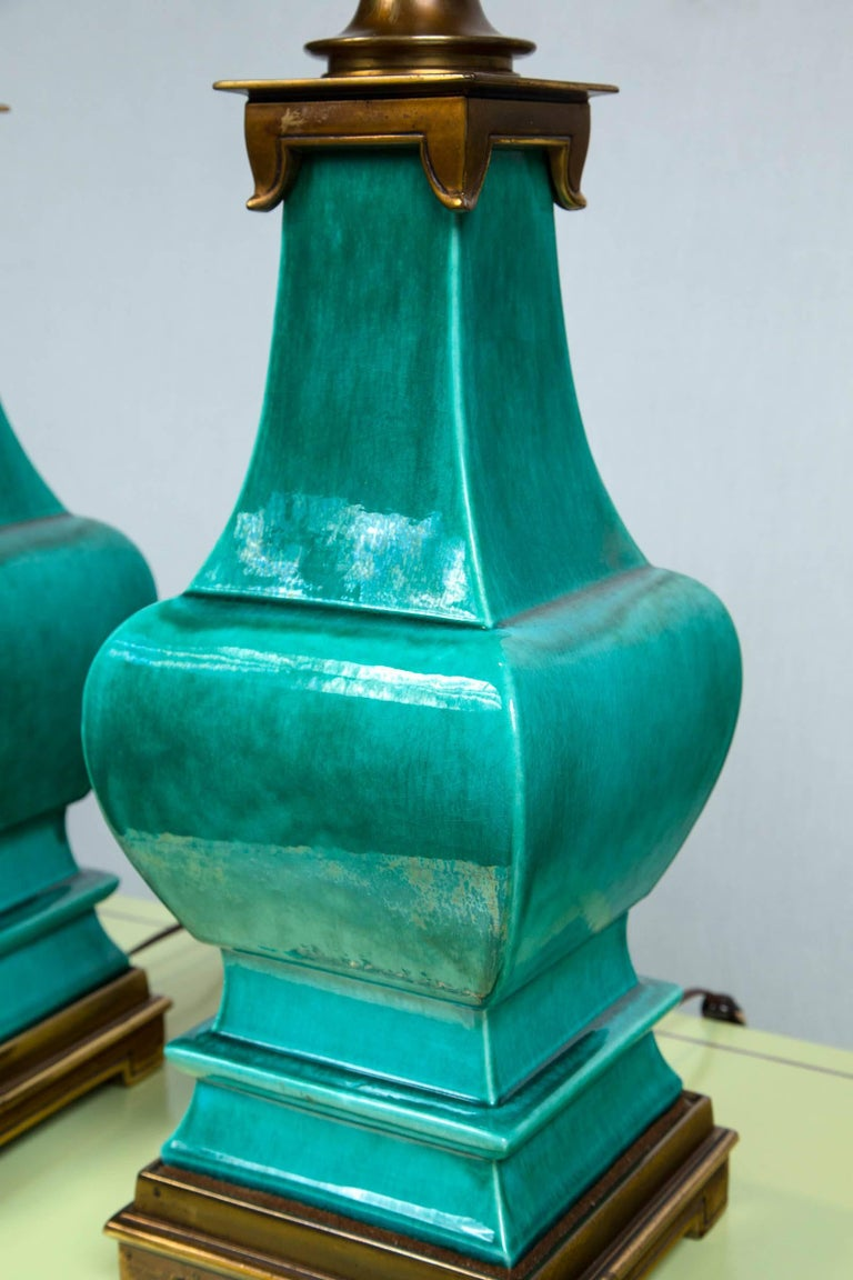 Pair of Midcentury Green Glazed Pagoda Style Stiffel Lamps For Sale 2