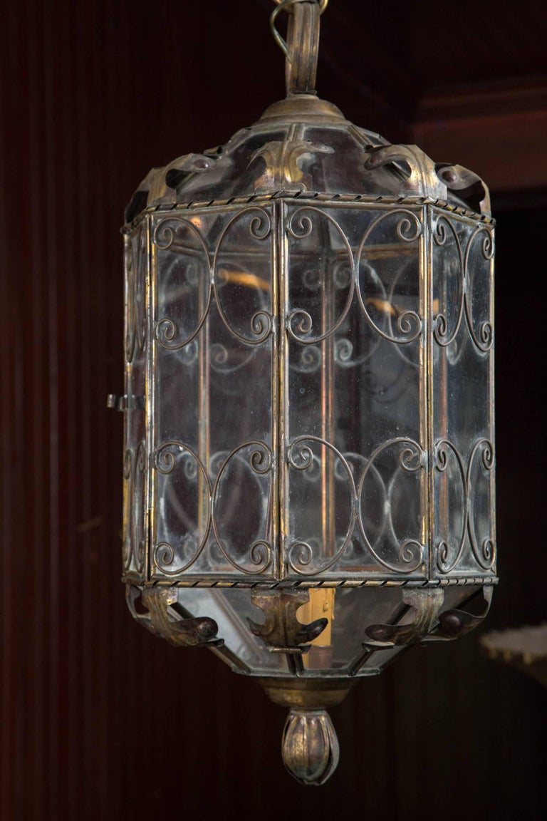 Octagonal Italian Metal Lantern In Excellent Condition For Sale In Stamford, CT