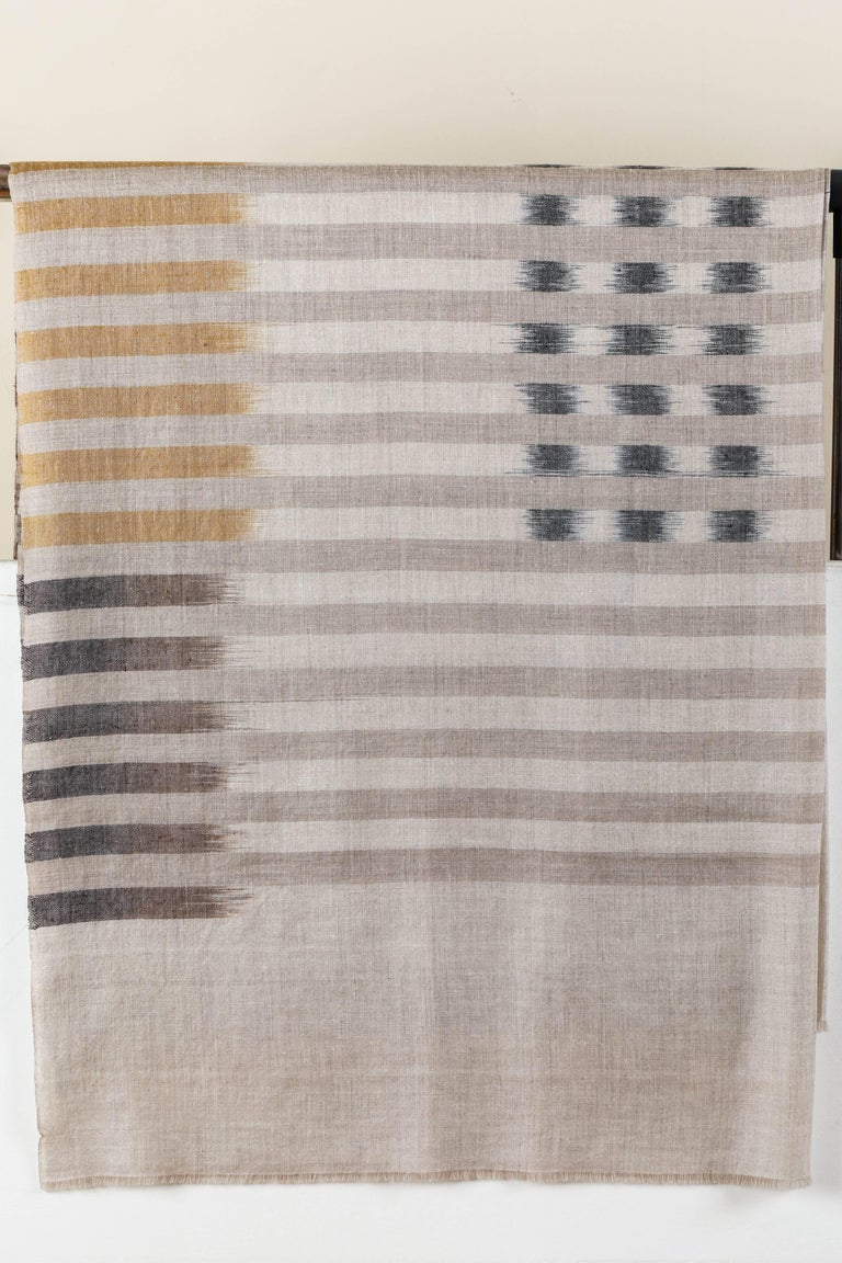 Ikat Woven Cashmere Throw In Excellent Condition For Sale In Los Angeles, CA