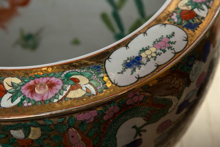 Pair of Chinese Porcelain Fish Bowls For Sale 1