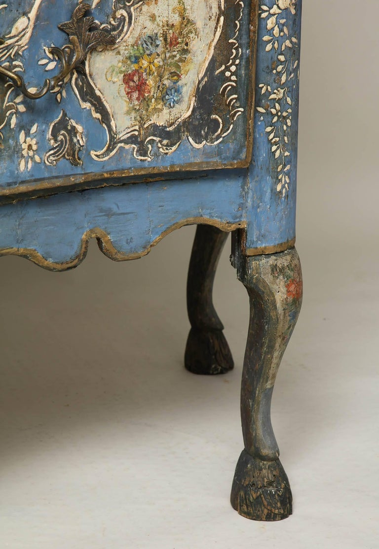 Wood 18th Century Painted Blue Italian Commode For Sale