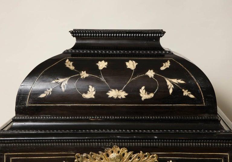 17th Century Flemish Ebony and Bone Jewel Box In Good Condition In New York, NY