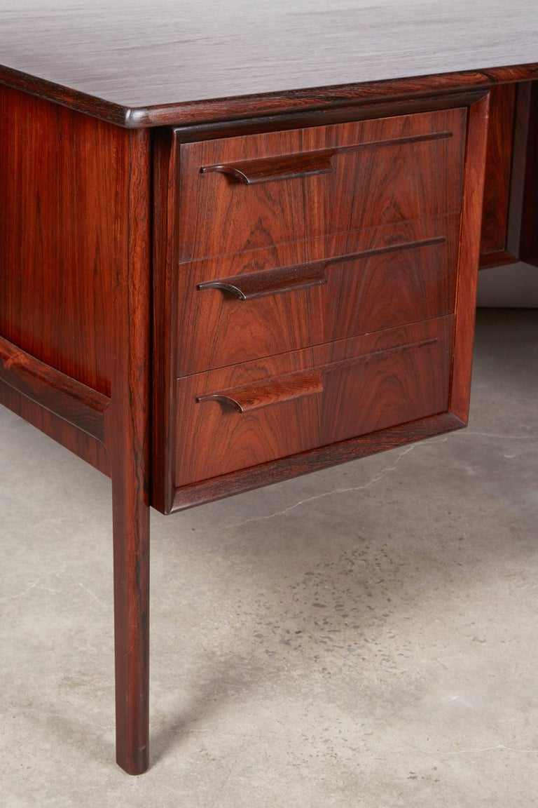Omann Jun Rosewood Desk 5