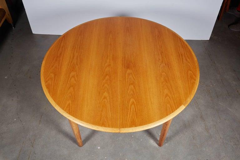 Henning Kjaernulf Round Dining Table 6
