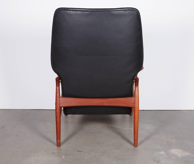 Kurt Ostervig Leather Recliner In Excellent Condition For Sale In New York, NY