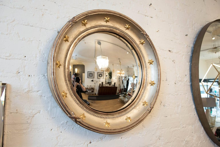 Vintage Hollywood Regency Style Convex Mirror In Excellent Condition For Sale In Toronto, ON