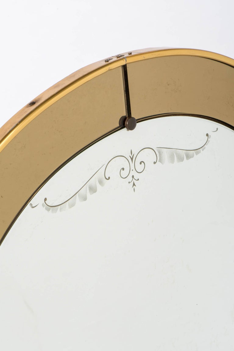 Cristal Arte oval wall mirror with champagne glass border, Italy, circa 1960 In Excellent Condition For Sale In Macclesfield, Cheshire