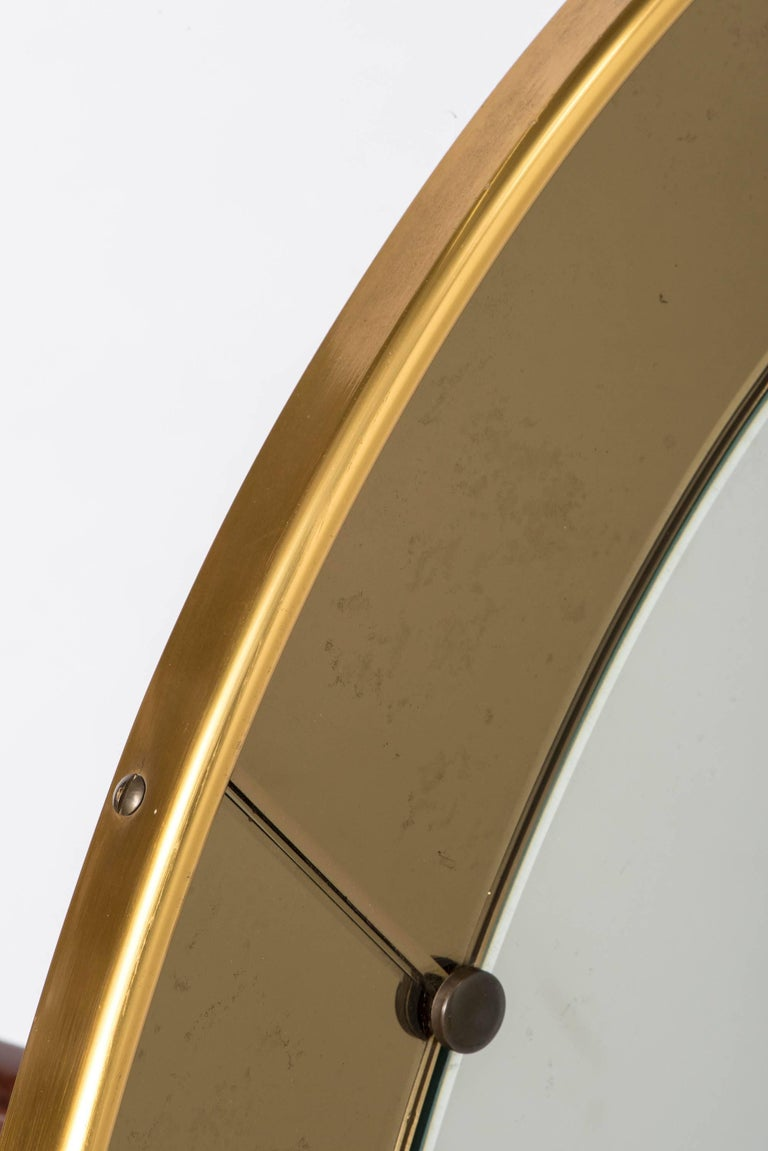 Mid-20th Century Cristal Arte oval wall mirror with champagne glass border, Italy, circa 1960 For Sale