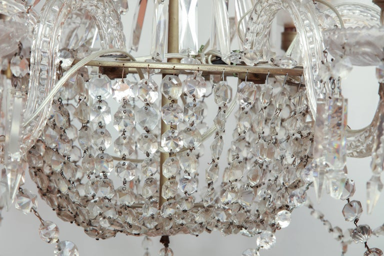 Late Regency Crystal Chandelier In Good Condition For Sale In New York, NY