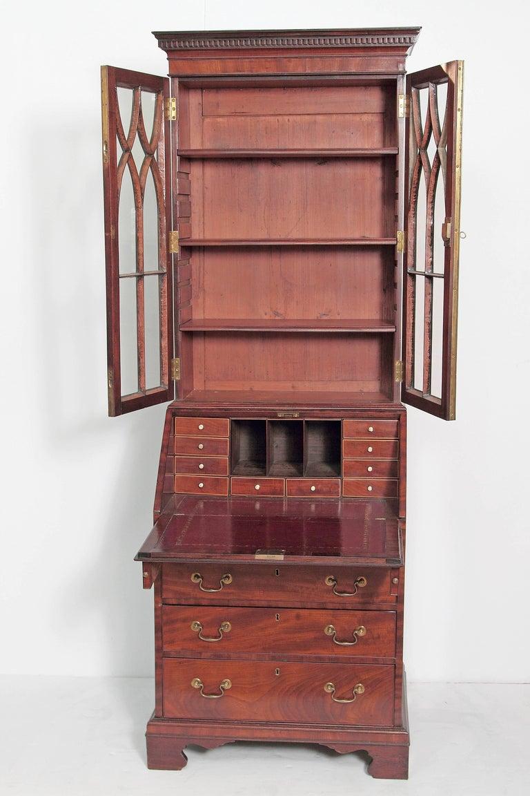 Period George III Secretary Bookcase of Mahogany In Good Condition For Sale In Dallas, TX