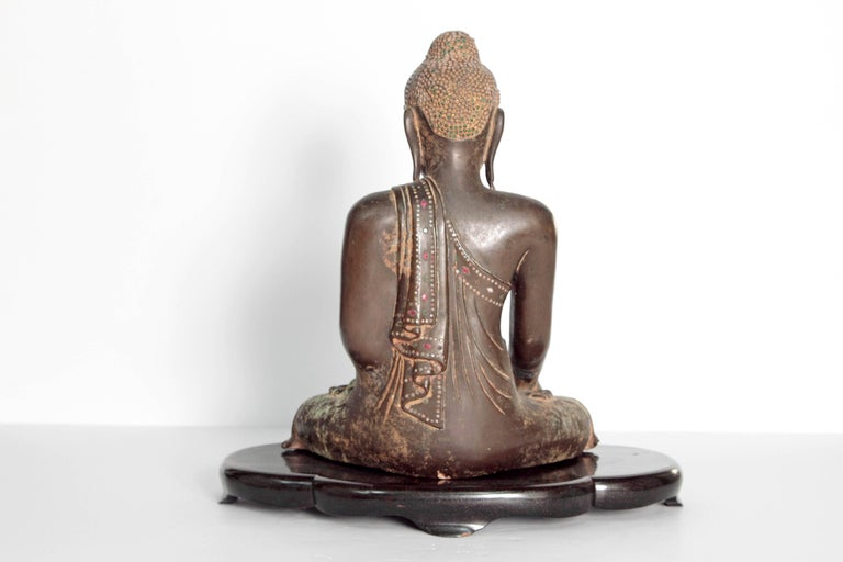 19th Century Mandalay Style Buddha of Bronze with Verdigris In Good Condition For Sale In Dallas, TX