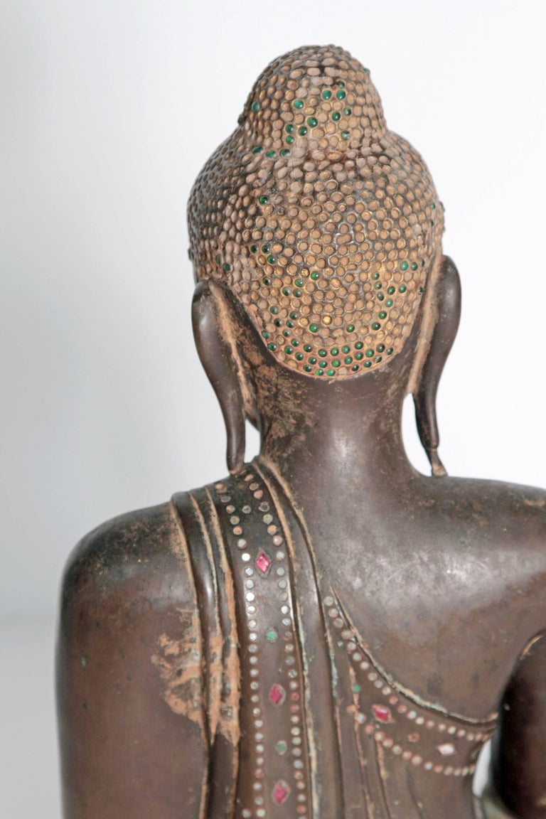 19th Century Mandalay Style Buddha of Bronze with Verdigris For Sale 1