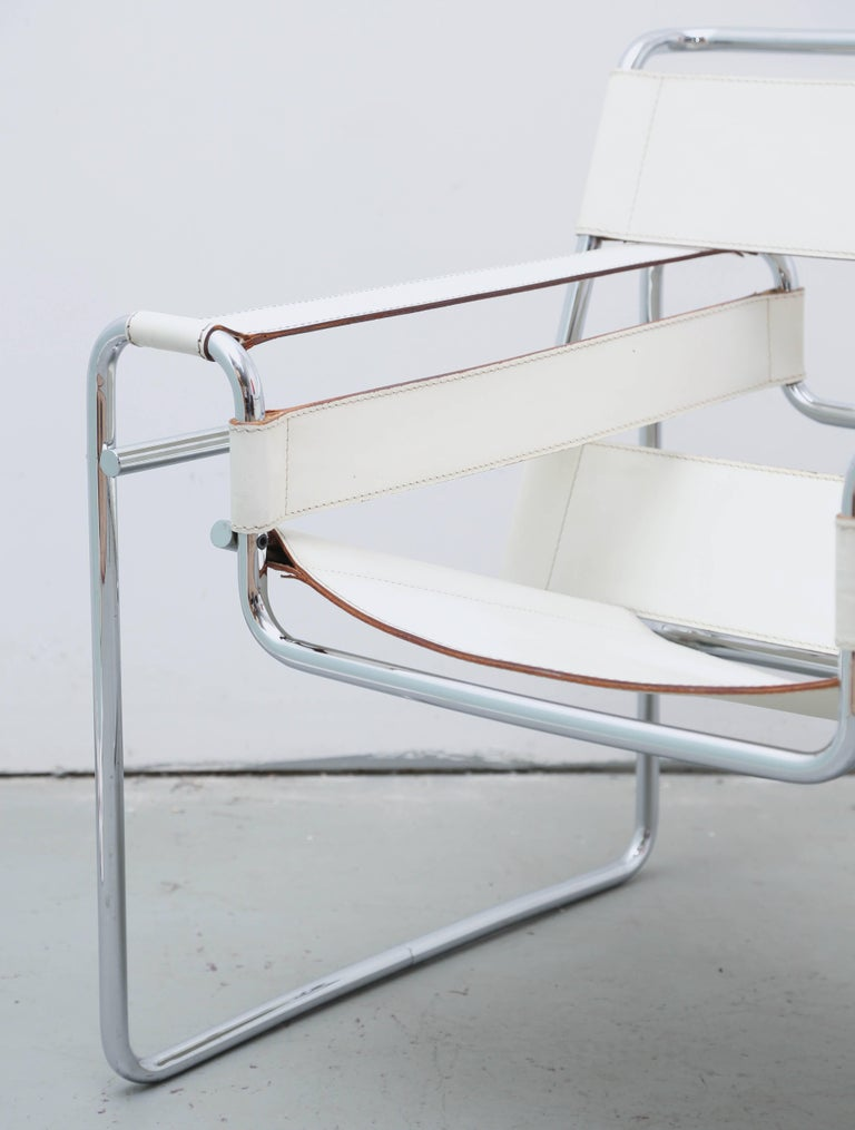 White leather and chrome Wasilly chair by Marcel Breuer for Knoll/Gavina, Italy, 1960s.
