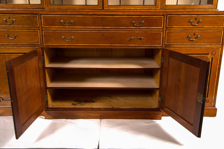 18th Century George III Secretaire Bookcase Cabinet, England, circa 1790 For Sale