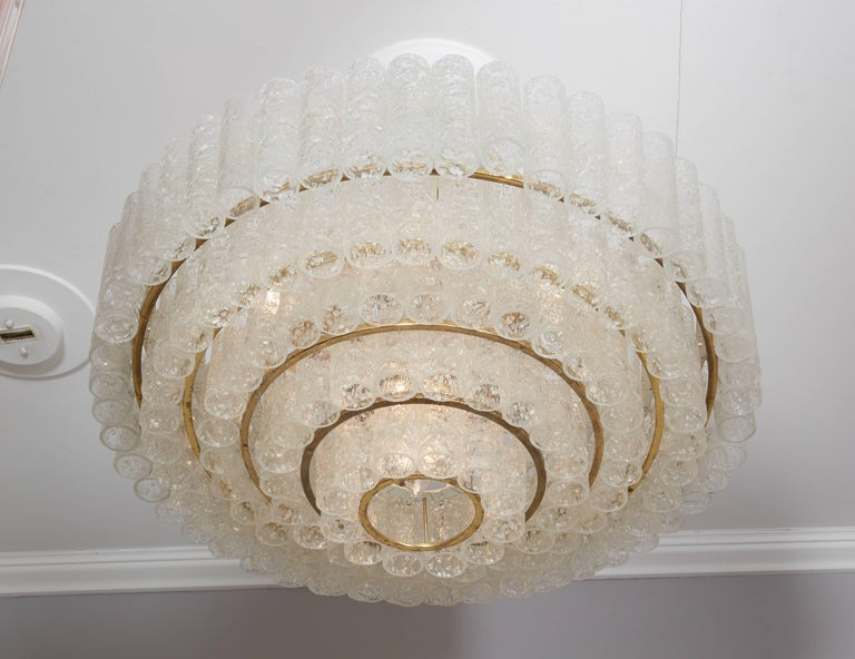 Vintage Four-Tier Doria Pendant Chandelier In Excellent Condition For Sale In New York, NY