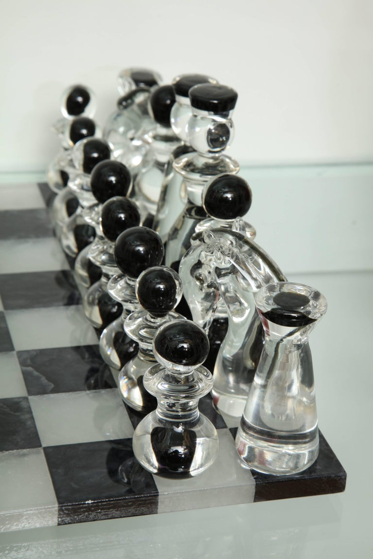 Murano Glass Chess Set In Good Condition For Sale In New York, NY