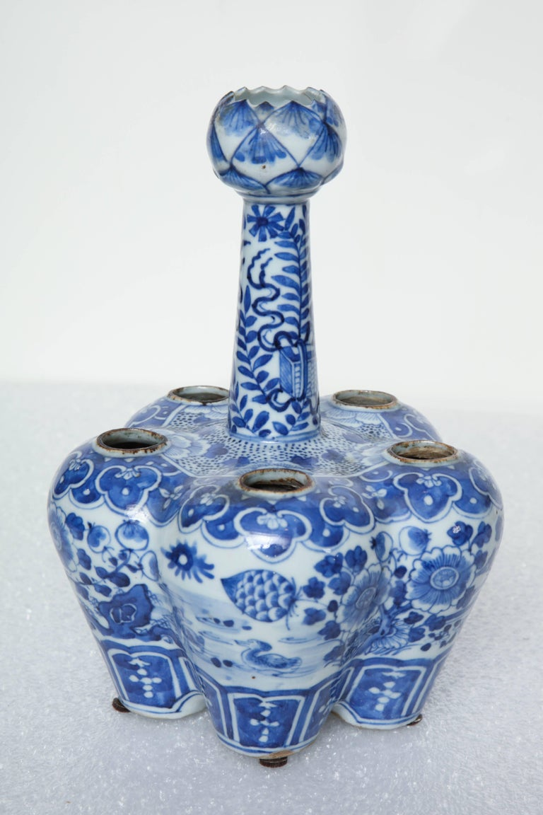 19th century, Chinese blue and white crocus pot.