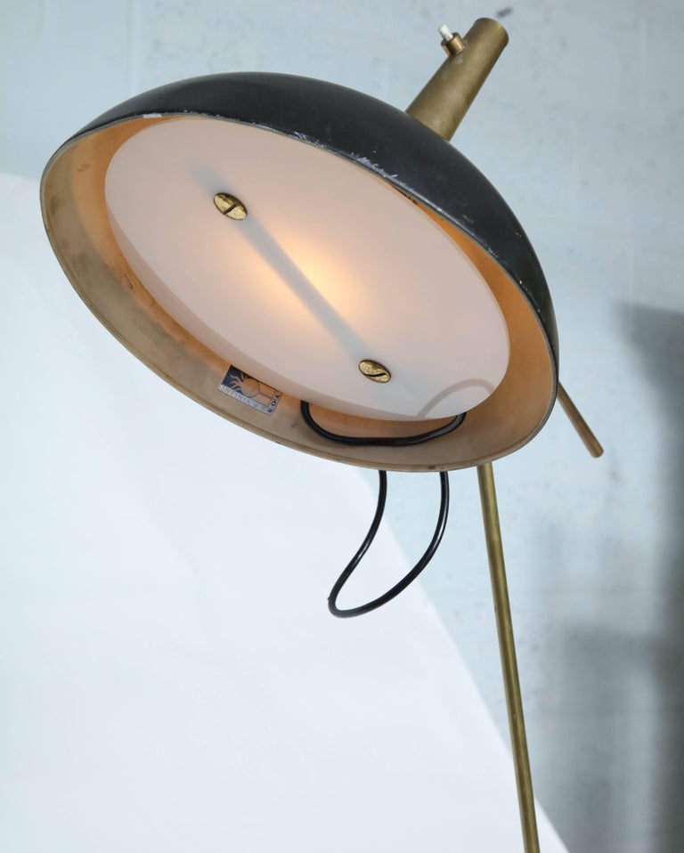 Painted Mid-Century Modern Articulated Floor Lamp signedLyon JP Vincent France 1950s For Sale