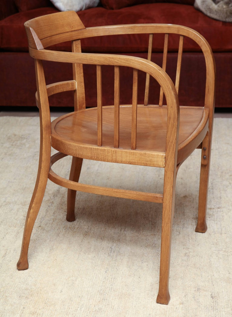 Thonet Armchair In Good Condition For Sale In New York, NY