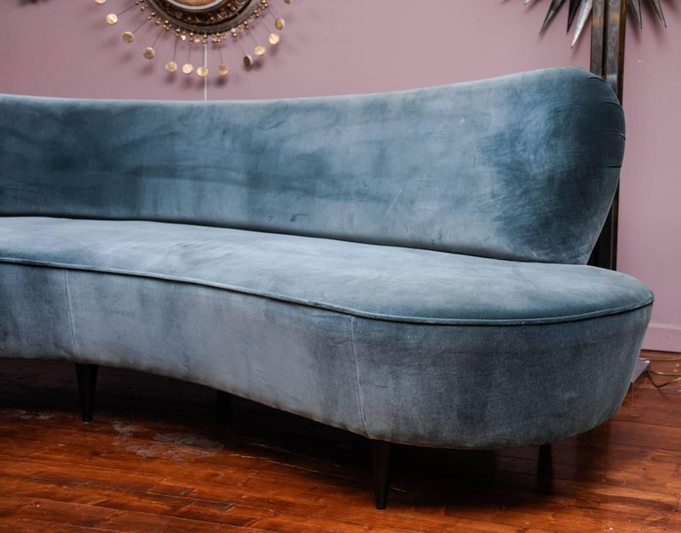 Curved Vintage Sofa In Excellent Condition For Sale In Saint-Ouen (PARIS), FR