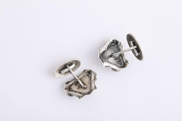 1920s-1930s Art Deco Coral Sterling Silver Cufflinks In Excellent Condition For Sale In New York, NY