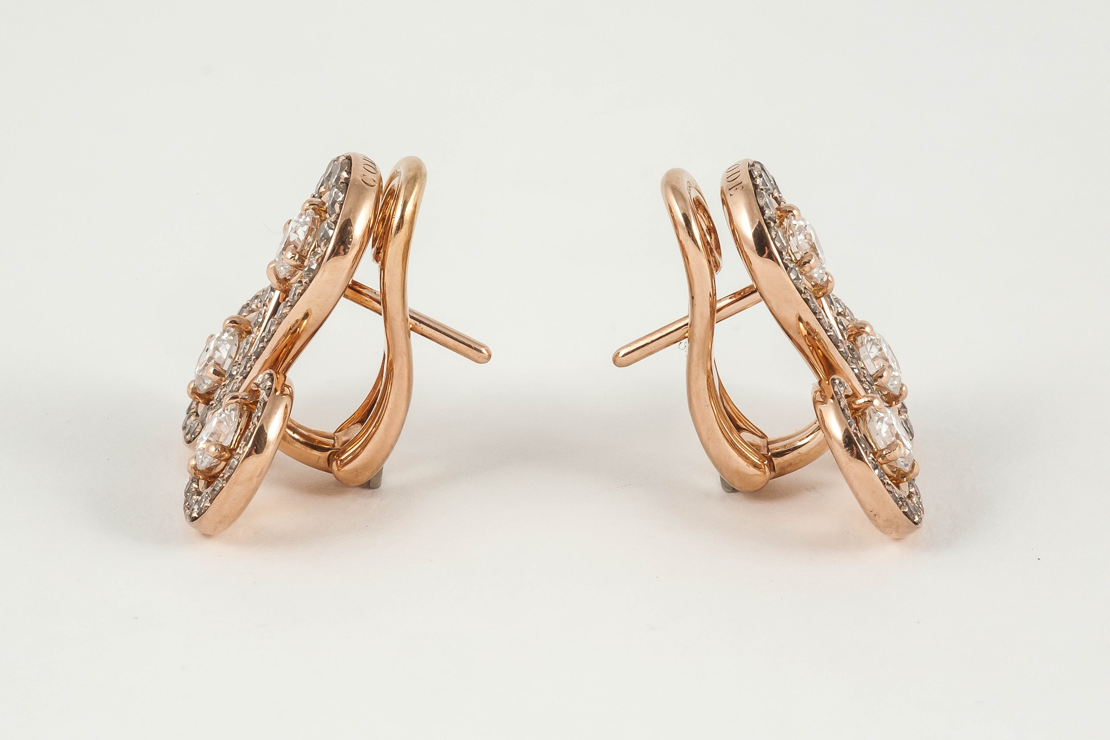 Rose Gold Brown Diamond Round Stud Earrings For Sale at 1stdibs