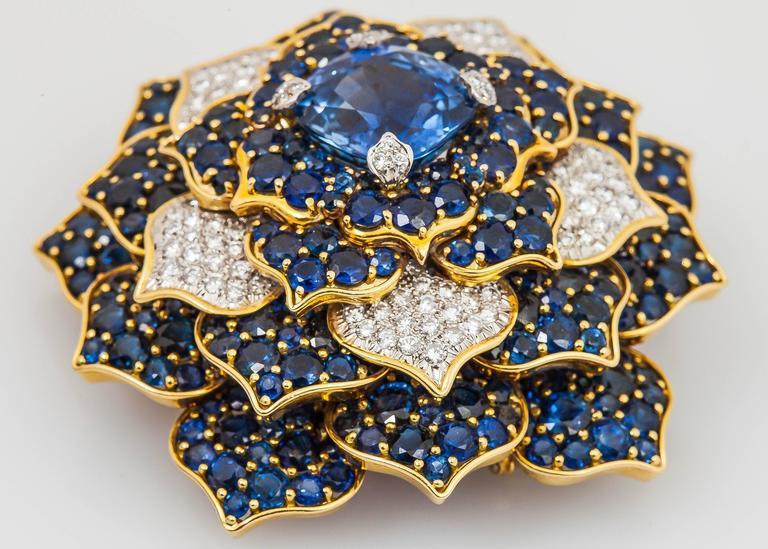 Women's Verdura Gorgeous Sapphire Diamond Gold Flower Brooch For Sale