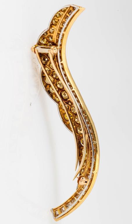 Women's Beautiful Fancy Yellow Diamond Gold Platinum Leaf Brooch For Sale