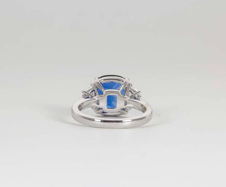 5 Carat Vivid Blue Sapphire Diamond Platinum Ring In New Condition For Sale In New York, NY