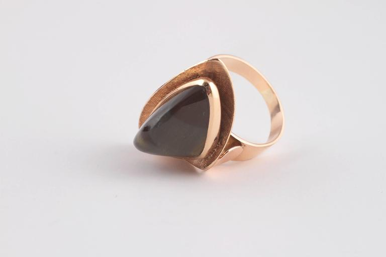 Mid-Century Modern Tiger's Eye Gold Ring For Sale 2