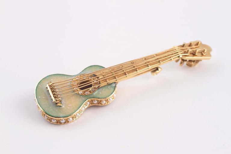 Early 20th Century Enamel Seed Pearl Gold Guitar Pin 3