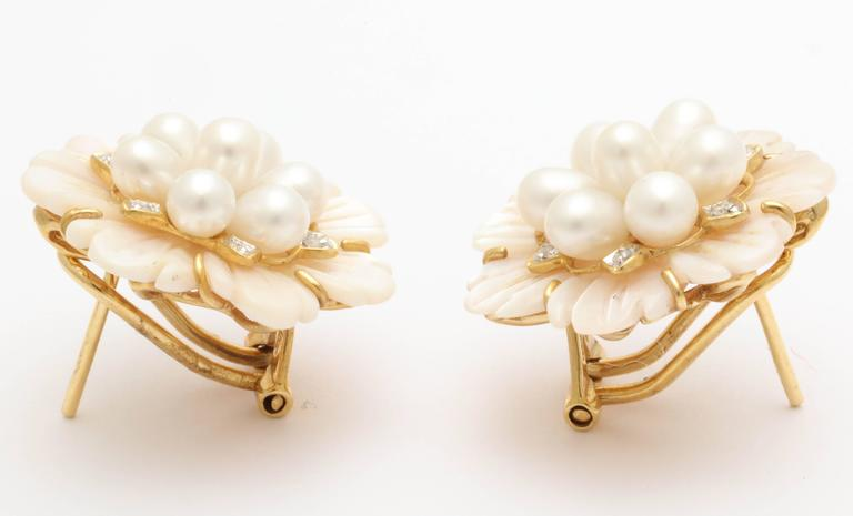 Pink Mother of Pearl Diamond Pearl Earrings In As New Condition For Sale In TRYON, NC