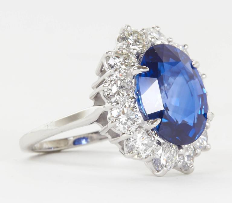Stunning 6 Carat GIA Certified Sapphire Diamond Platinum Ring In New Condition For Sale In New York, NY