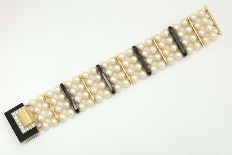1970s Cartier Pearl Onyx Diamond Gold Platinum Necklace Bracelet Suite In Excellent Condition For Sale In New York, NY