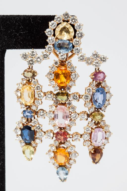 1960s Multicolor Natural Sapphire Diamond Gold Chandelier Ear Pendants  In Excellent Condition For Sale In New York, NY