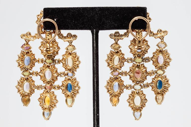 1960s Multicolor Natural Sapphire Diamond Gold Chandelier Ear Pendants  For Sale 2