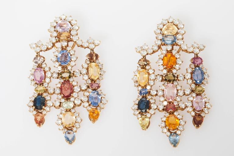 1960s Multicolor Natural Sapphire Diamond Gold Chandelier Ear Pendants  For Sale 3