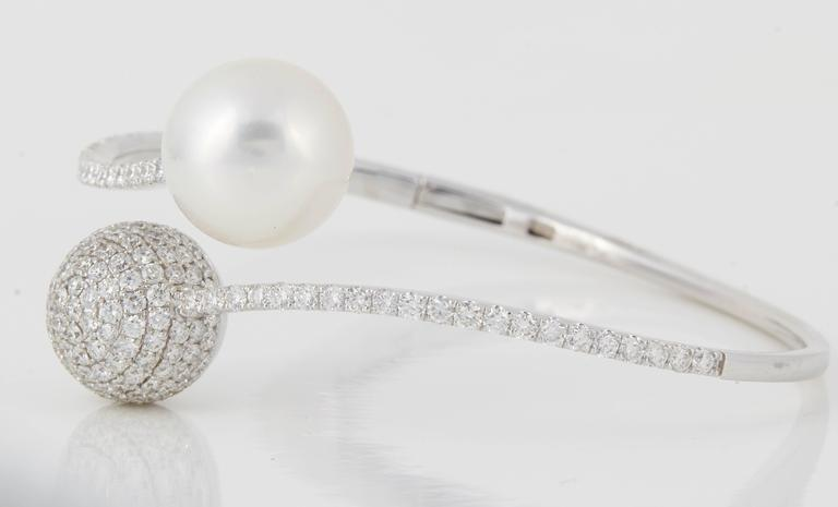 Round Cut South Sea Pearl Diamond Bypass Bangle Bracelet 2.80 Carats 18K White Gold  For Sale
