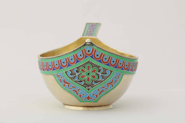 Rare Russian Enamelled Kovsh by Grachev, circa 1900 5