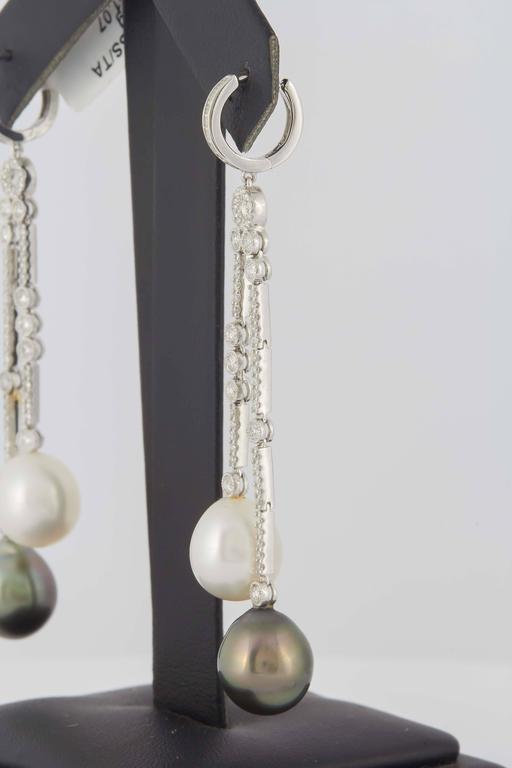 South Sea and Tahitian Pearl Diamond Gold Dangle Earrings In New Condition For Sale In New York, NY