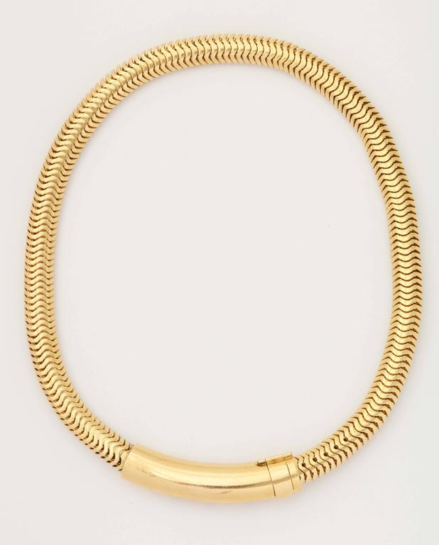 Retro Ruby Sapphire Diamond Gold Snake chain Necklace In Excellent Condition For Sale In New York, NY