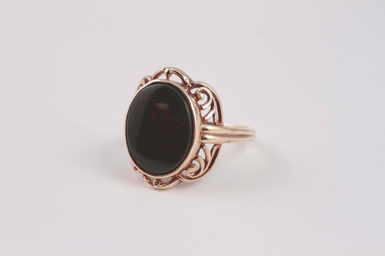 Arts and Crafts Bloodstone Gold Ring In Excellent Condition For Sale In Dallas, TX