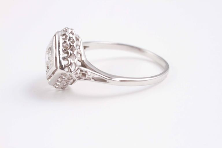 0 33 Carat Diamond Engagement Ring in 14 Karat Gold For Sale at 1stdibs