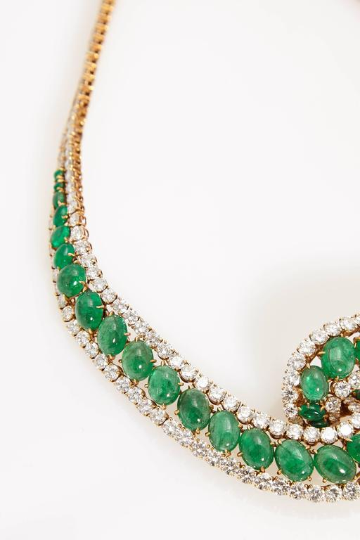 Cabochon Emerald and Diamond Necklace In Good Condition For Sale In New York, NY