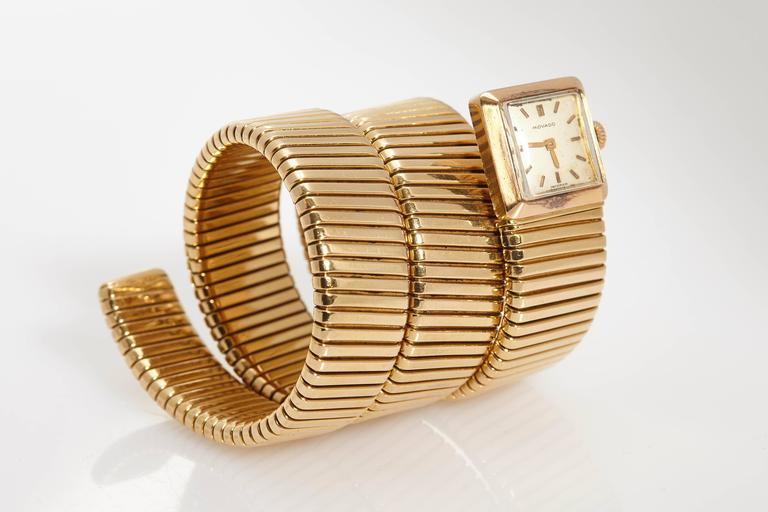 Bulgari Ladies Yellow Gold Tubogas Wristwatch  In Excellent Condition In New York, NY